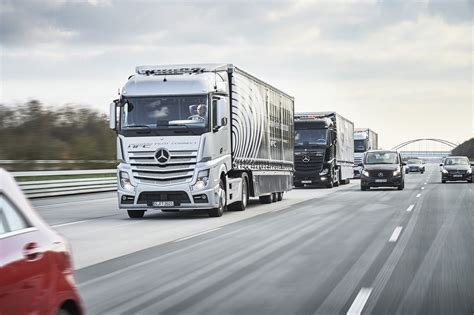 mercedes truck 2016 a trio of autonomous mercedes big rigs is hitting the road