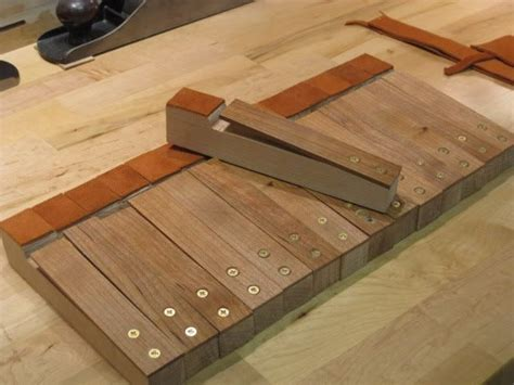 how to make bench dogs pin by geferson altismo on bancada workbench pinterest