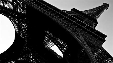 black and white eiffel tower wallpaper wallpaper eiffel tower in black and white my hd wallpapers