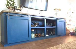 Barn Door Tv Stand Diy The Diy Sliding Barn Door Ideas For You To Use