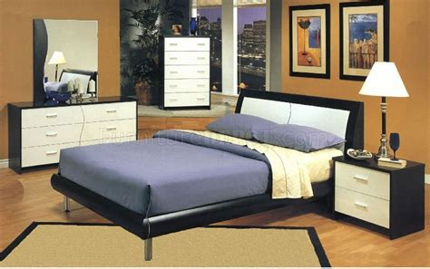 two tone bedroom furniture two tone cappuccino white contemporary bedroom w platform bed