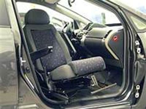 swivel car seat for seniors the car seat that can swivel and recline easier