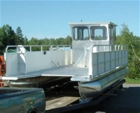 aluminum boat with front r barge