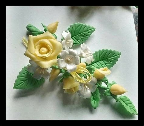 de tortas en porcelana fra bouquet de rosas para decorar torta de resultado de imagen para adornos para tortas de 15 en