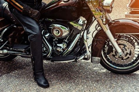 motorcycle boots price guide to motorcycle boots types features