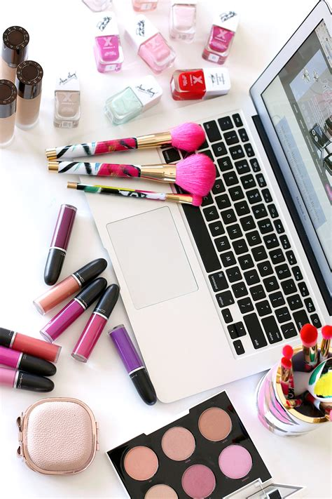 blogger beauty looking for interns to write for makeup and beauty blog