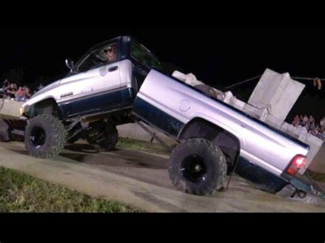 truck pulling videolike