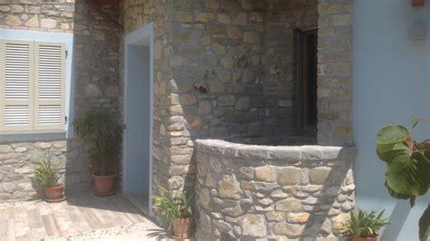 pietra rustica per interni lavorazione pietra di credaro rustica artigiani pietra