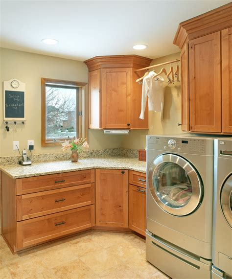 laundry room upper cabinets 83 best woodharbor cabinetry images on pinterest