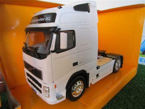 volvo xl 90 tracteur routier volvo fh12 globetrotter xl blanc