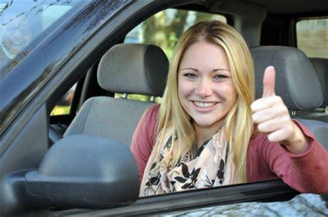 Autoversicherung Mit 17 by Die Passende Kfz Versicherung F 252 R 17 J 228 Hrige Autofahrer