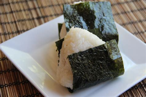 onigiri rice ball recipe japanese cooking 101