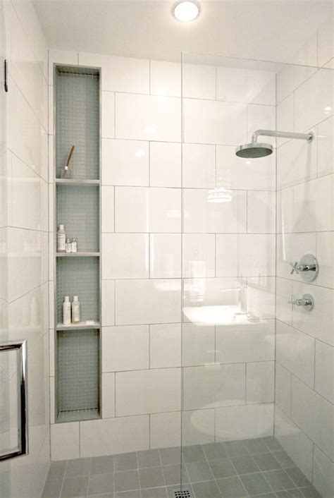 Number Of Bathrooms In The White House by Best 25 White Shower Ideas On White Tile