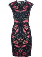 Santana Dress Pink by Wornontv Santana S Black And Pink Printed Bodycon Dress