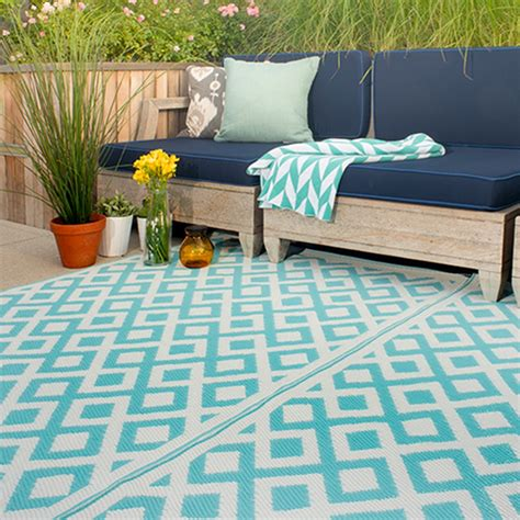 outdoor rug marina outdoor rug in blue white outdoor rug cuckooland