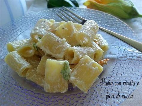 fiori di zucca con la pasta pasta con ricotta e fiori di zucca bont 224 e praticit 224