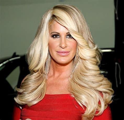 atlanta hoisewives wigs whoa see kim zolciak without her wig us weekly