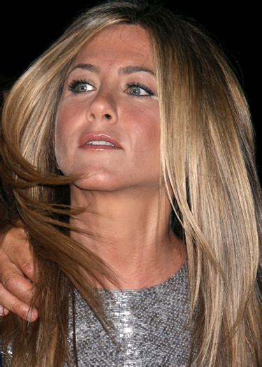 Sued Aniston Photo by Judge Throws Out Aniston Happens Lawsuit