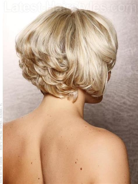 hair stacked straight front curly back 11 chin length bob hairstyles that are absolutely stunning