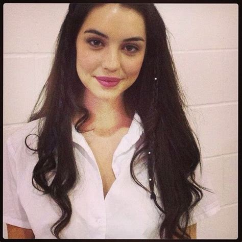 reign hairstyles and makeup adelaide kane hairstyles wavyhair blackhair beauty