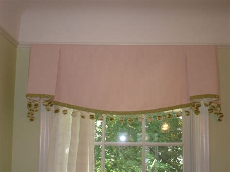 valance designs a sheffield valance 187 susan s designs