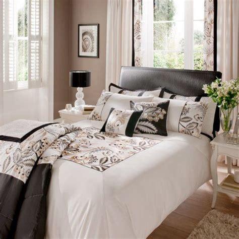 bed bath and beyond shrewsbury catherine lansfield shrewsbury king size quilt set black