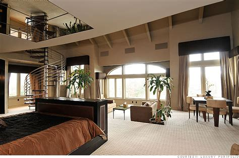 homes with 2 master bedrooms 50 cent s 19 no 14 no 10 million estate the master bedroom 3 cnnmoney