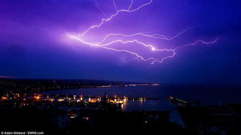 imagenes impresionantes de rayos impresionantes im 225 genes una tormenta el 233 ctrica sacudi 243 el