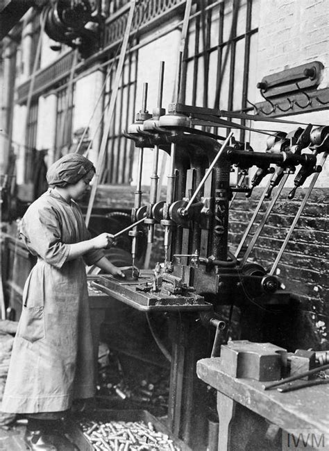 collections maker shop the women s work in transport services 1914 1918 q 109876