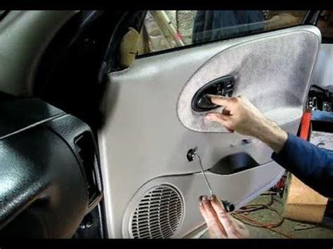 how to remove install front door panel suzuki xl 7 youtube inner door panel removal youtube