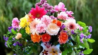 Centerpieces Bouquet Of Flowers Wallpaper