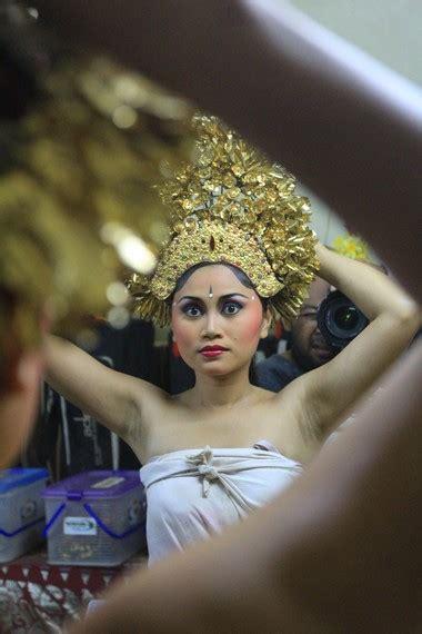 Mahkota Tari Merak tari pendet indonesiakaya eksplorasi budaya di