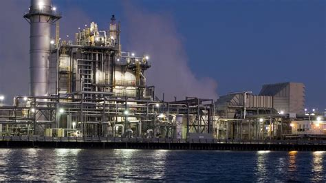 houston lighting power company exxon mobil shell shut in houston area refineries