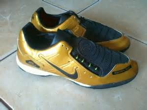 Sepatu Bola Total 90 sepatu futsal nike zoom total 90 laser sepatu futsal nike