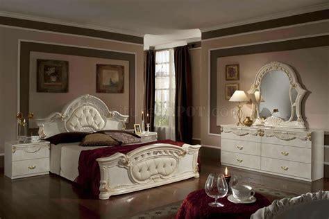 rococo bedroom  beige  vig
