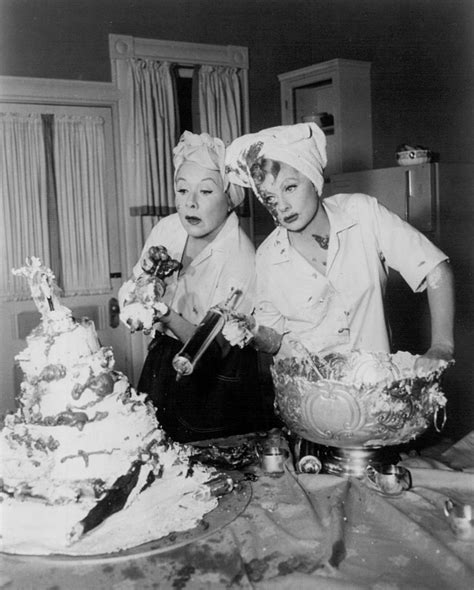 lucille ball show file vivian vance lucille ball the lucy show 1963 jpg