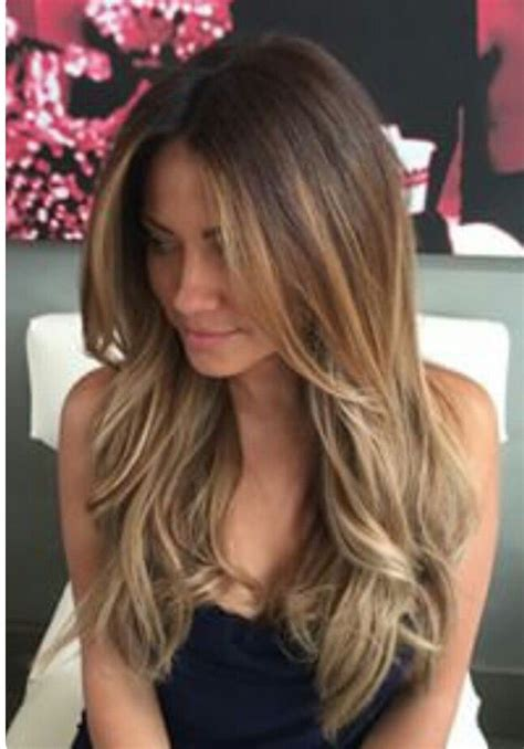 name of hair where the bottom is blonde love this light brown color with medium blonde highlights