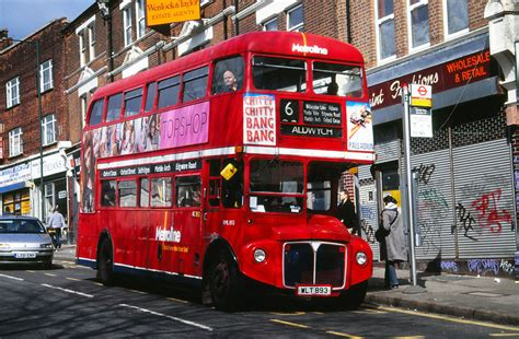 london bus routes route  aldwych willesden bus garage