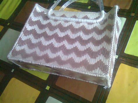 como elaborar bolsas con fichas bolsas de rafia manualidades