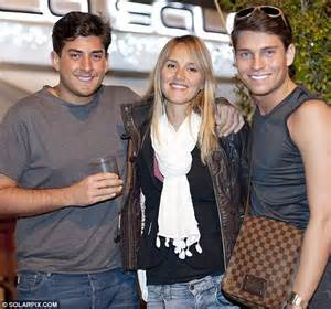 David Bentley Mills Towie Indulge In Chagne As Arg Gets Lydia