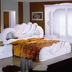 classic italian beds traditional bedroom furniture