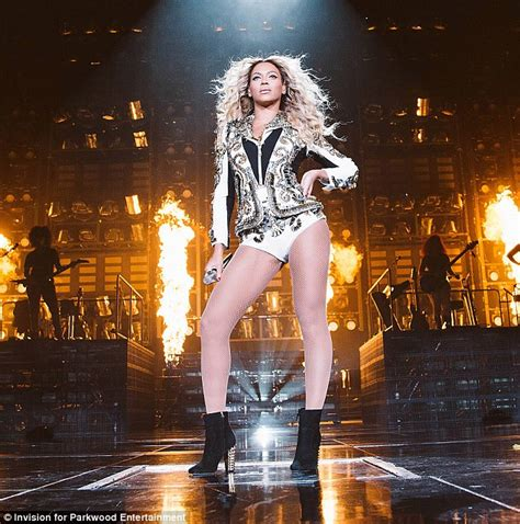 Bd05052015 188 000 1 Set With beyonce s new album sells more than 800 000 copies in