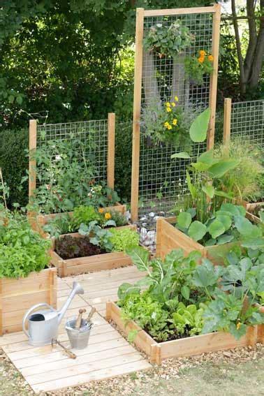 Superbe Bache Table De Jardin #2: traverses-bois-pour-creer-mur-vegetal-et-jardin-potager.jpg