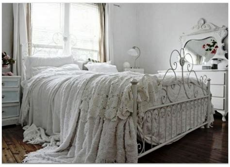 Vintage Your Room With 9 Shabby Chic Bedroom Furniture Shabby Bedroom Furniture