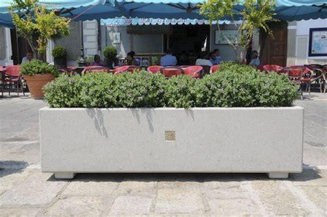 vasi da esterno in cemento fioriere planters