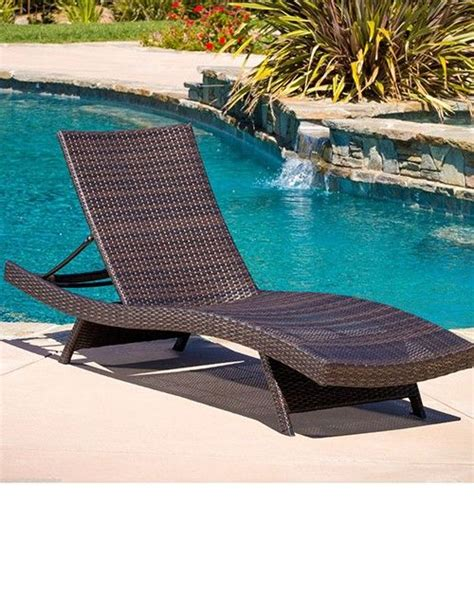 Wicker Pool Lounge Chairs by 25 Best Ideas About Pool Lounge Chairs On