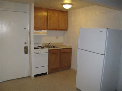 studio apartment kitchen live here walk to unm cnm city buses