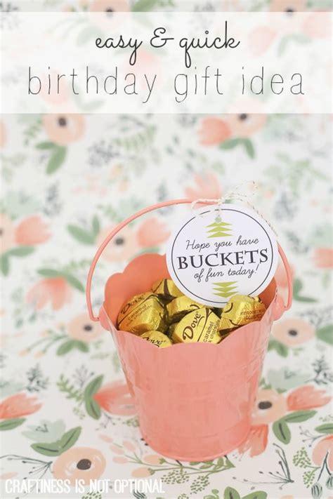 buckets of fun birthday gift idea and free printable