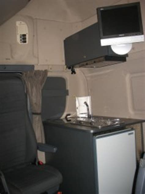 truckaccessoires sidebars pushbars bullbars lampenbeugels cabinebekleding cabinemeubels
