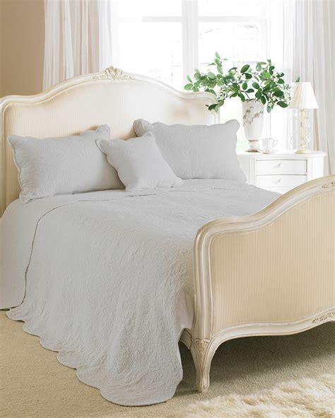 Heavy Quilted Bedspreads Superb Heavy Weight 100 Cotton Grey Quilted Bedspread